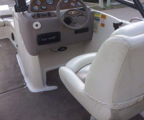 Tahoe Deckboat Cockpit
